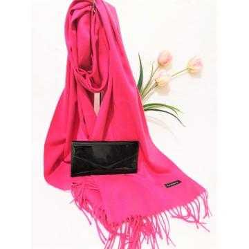 Set cadou esarfa casmir roz si portofel negru lacuit din piele ecologica