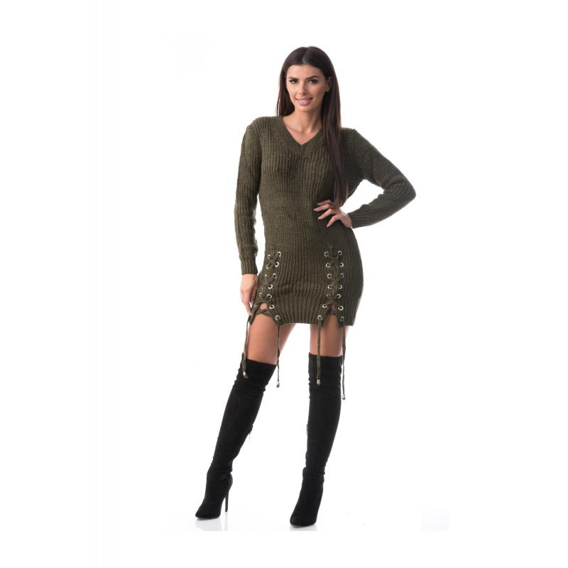 Rochie tricotata cu crapaturi pe picior